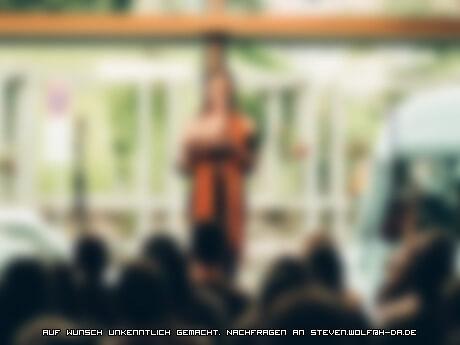 Zwischen selbstbewusst und Selbstverlust – so war mein erstes Mal auf der Bühne als Slammerin beim Student Slam Darmstadt